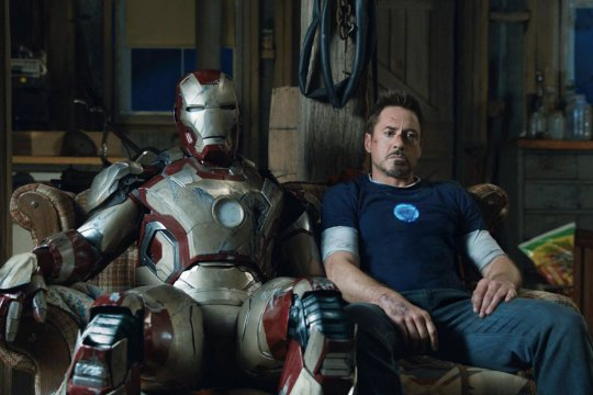 小勞勃道尼 (Robert Downey Jr.) 將與「鋼鐵人」(Iron Man) 身份告別。
