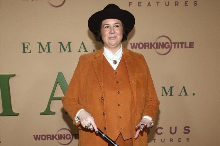 奧特姆德魏爾德 (Autumn de Wilde) 執導改編自珍奧斯汀 (Jane Austen) 的《艾瑪.》(Emma.)