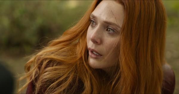 受過 黑寡婦 的訓練後, 緋紅女巫 不再有東歐 口音 ( 伊莉莎白歐森 飾演 )