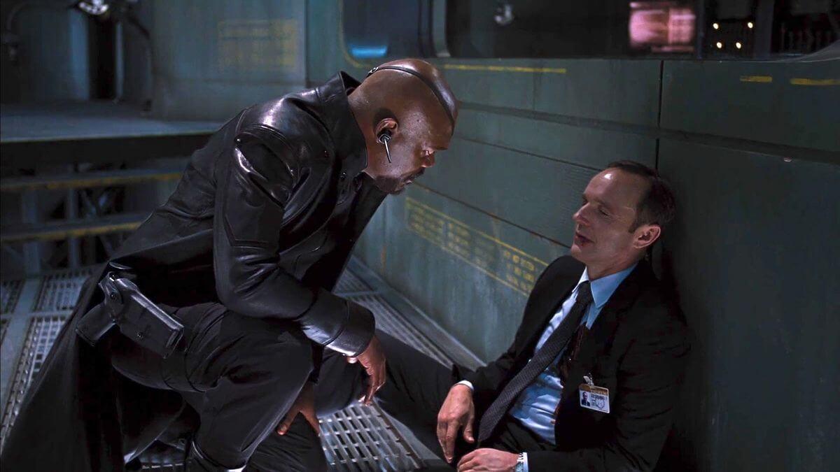 2012 年漫威超級英雄電影《復仇者聯盟》中殉職的菲爾考森探員(克拉克格雷格 飾)。