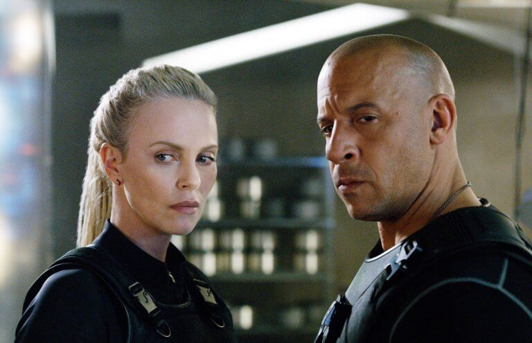 《玩命關頭 8》(Fast & Furious 8) 的莎莉賽隆和馮迪索。