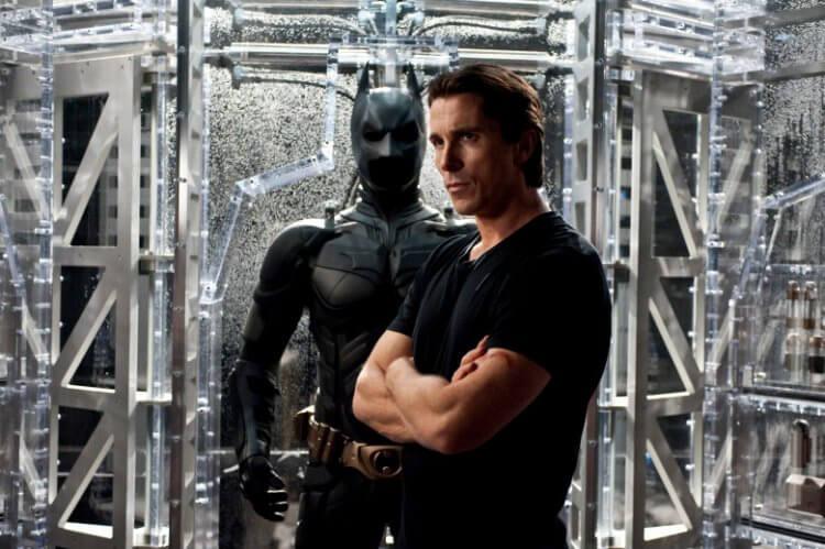 諾蘭《黑暗騎士》三部曲演出蝙蝠俠的克里斯汀貝爾。