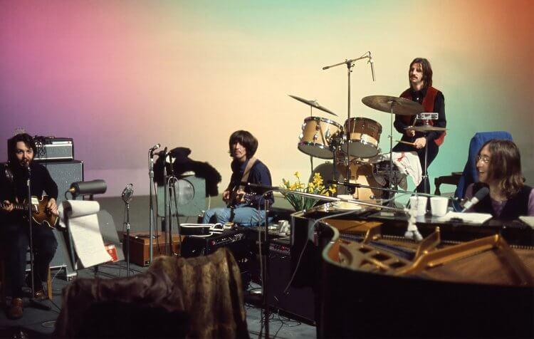 《魔戒》名導彼得傑克森的最新紀錄片《The Beatles: Get Back》將紀錄焦點放在英國傳奇樂團披頭四上。