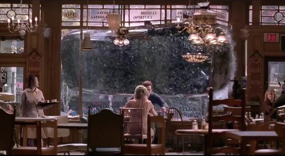 山姆雷米 導演作品《 蜘蛛人2 》中的餐廳場景。