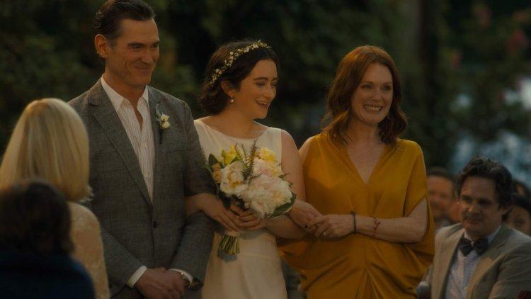 比利克魯德普也參演改編自丹麥電影《婚禮之後》,茱莉安摩爾與蜜雪兒威廉絲主演的《你願意嫁給我老公嗎?》片中。