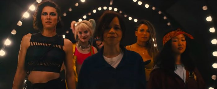 《猛禽小隊:小丑女大解放》當中飾演小丑女哈莉奎茵的瑪格羅比、黑金絲雀的朱妮絲莫利特、女獵手的瑪麗伊莉莎白文斯蒂德、妮蒙托亞的蘿西培瑞茲。