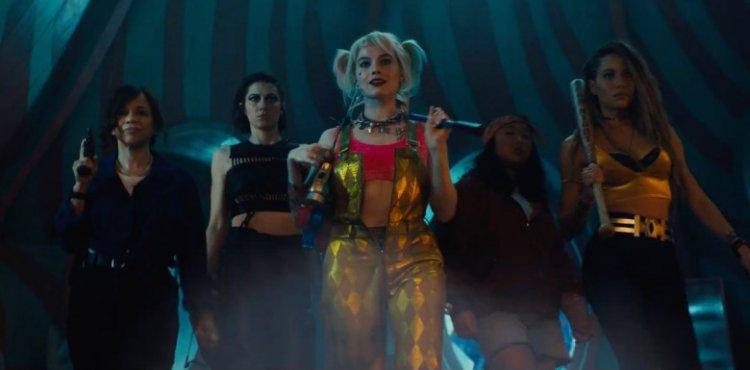 閻羽茜 (Cathy Yan) 執導的電影《猛禽小隊:小丑女大解放》是以《自殺突擊隊》中瑪格羅比飾演的哈利奎茵為主線,擴展出來的延伸作品。