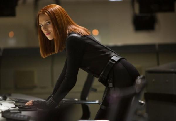史嘉蕾喬韓森 在《 復仇者聯盟 》演出時的片酬還遠不及 小勞勃道尼 。