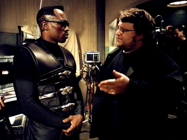 《 刀鋒戰士2 》刀鋒 : 衛斯理史奈普 (左) 與 宅神導演 : 吉勒摩戴托羅 (右)。