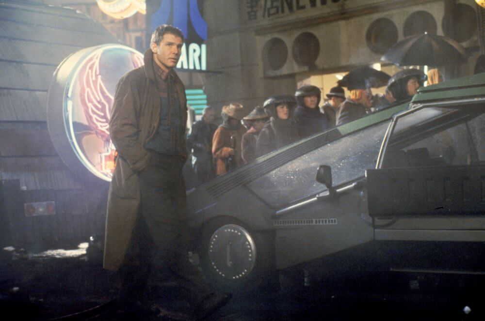 1982 年雷利史考特的經典科幻電影《銀翼殺手》。