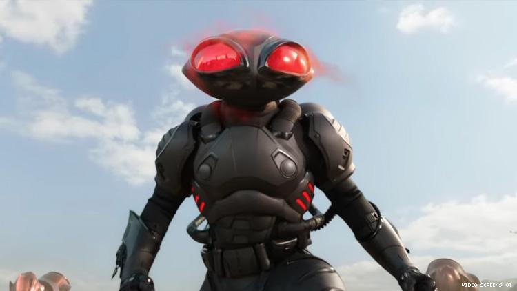 《水行俠》中的反派角色:黑蝠鱝是一個尋寶獵人。