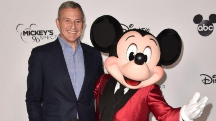 蜘蛛人從漫威超級英雄大家庭「畢業」,湯姆霍蘭德聯繫上迪士尼執行長鮑勃伊格,感謝共事過的美好時光。