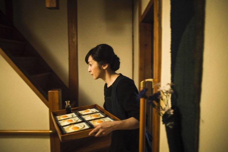 《最初的晚餐》飾演母親秋子的齊藤由貴。