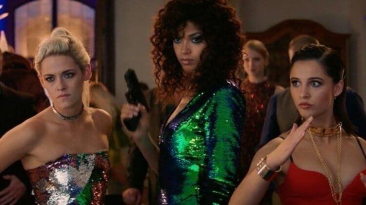 《霹靂嬌娃》三位主演:克莉絲汀史都華、艾拉巴林斯卡、娜歐蜜史考特。