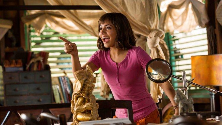 《朵拉與失落的黃金城》: We Did It!真人化成功了!女主角伊莎貝拉莫納:「以前就很多人叫我朵拉。」首圖