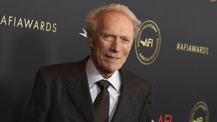 演到老,導到老!90 歲的克林伊斯威特再推自導自演新片《哭泣的男人》,飾演過氣牛仔首圖