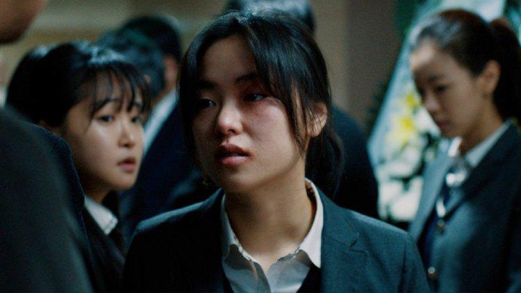 《文森佐》女主角全汝彬大銀幕初主演作品,電影《死了一個女高中生之後》線上看的到首圖