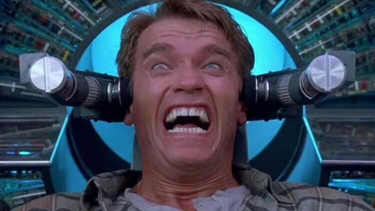 《魔鬼總動員》30 周年紀念:科幻小說鬼才、變蠅人、與阿諾如何建立他的好萊塢王朝?首圖