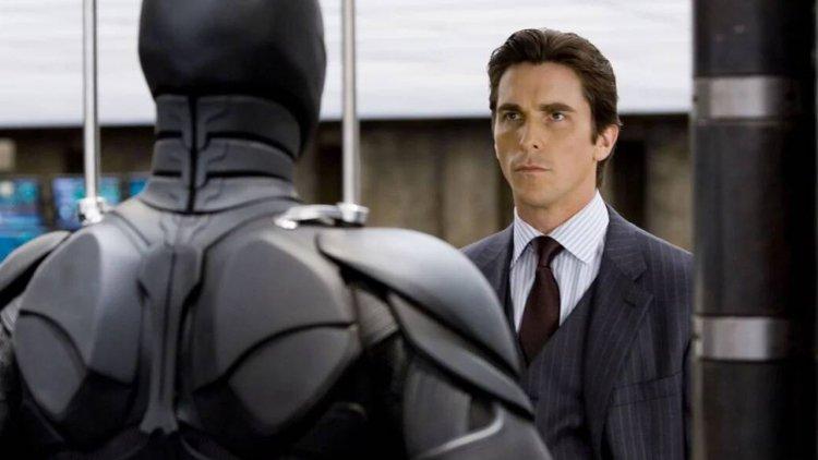 那一年,我們一起搶著當打倒超人的蝙蝠俠 (一):嘴上說不想續攤的黑暗騎士,身體其實很老實首圖