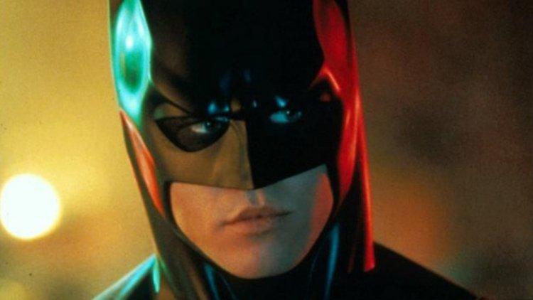 當事人澄清時間!為什麼方基墨不幹蝙蝠俠了:股神、面具、還有大頭症首圖