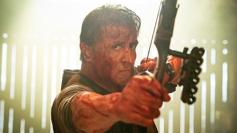 為求逼真《藍波:最後一滴血》席維斯史特龍臉上狂噴豬血!血腥暴力來真的