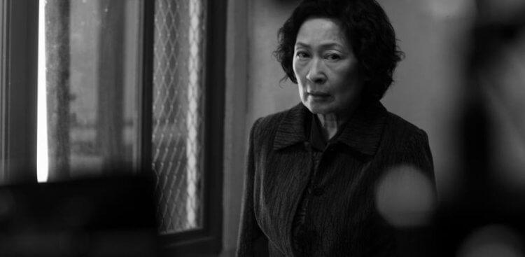 奉俊昊導演 2009 年的作品《非常母親》曾推出黑白版本。