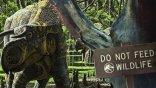 恐龍追、人類跑!柯林崔佛洛執導的番外短片《侏羅紀世界:巨石之戰》公開!