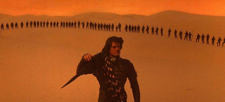 1984 年由大衛林區導演執導的《沙丘魔堡》電影劇照。