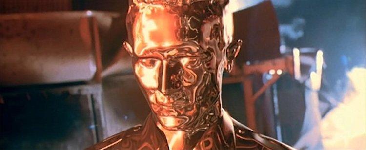 《魔鬼終結者 2:審判日》中,劇組用簡單的水銀與吹風機打造 T-1000 終結者從液態恢復人形的特效。