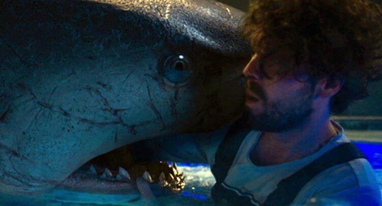 《水深火熱2》劇照。