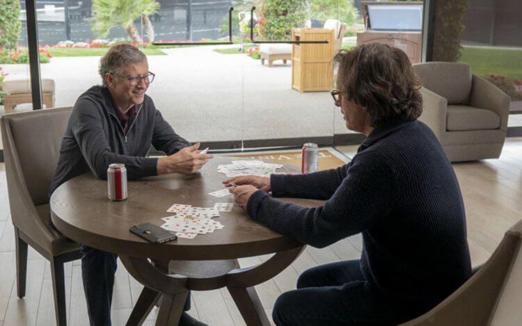 比爾蓋茲與紀錄片《蓋茲之道:疑難解法》導演戴維斯葛斯蒙。