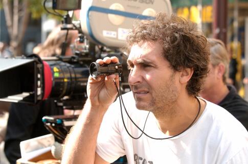道格李曼執導電影《移動世界》。