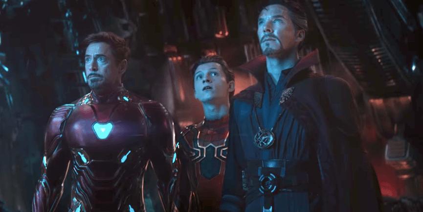 在《 復仇者聯盟 》 認識許多 超級英雄 : 尤其是 鋼鐵人的 小蜘蛛 。