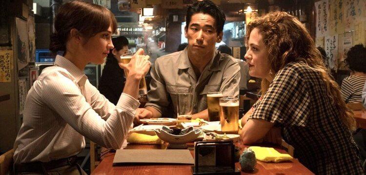 艾莉西亞薇坎德主演,Netflix 驚悚懸疑電影《地震鳥》劇照。