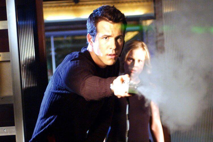 2003 年電影《神鬼妙計》萊恩雷諾斯、克莉絲汀布思。