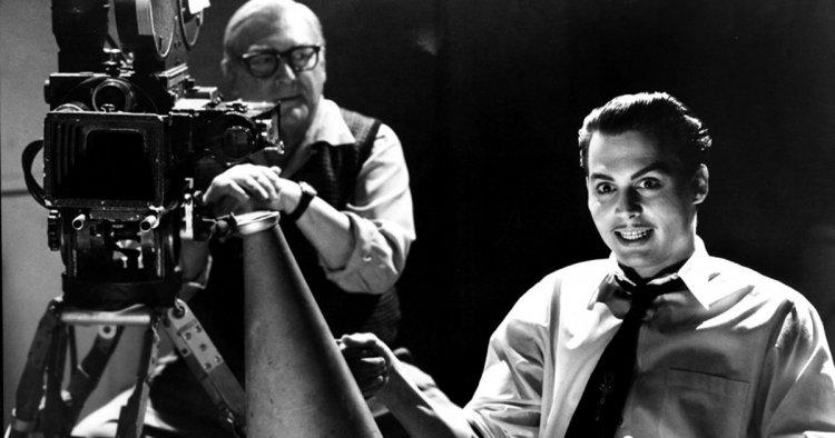 強尼戴普 (Johnny Depp) 在提姆波頓電影中飾演有女裝癖的導演艾德伍德 (Ed Wood)。