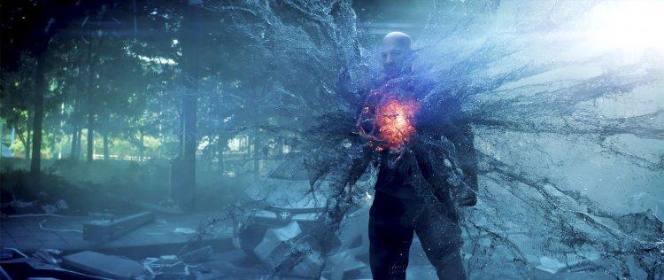 馮迪索在《血衛》中飾演的雷葛瑞森,有一點金鋼狼加上《駭客任務》系列中的概念。