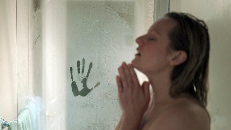 《隱形人》將由伊莉莎白摩斯飾演的受害人視角來敘事。