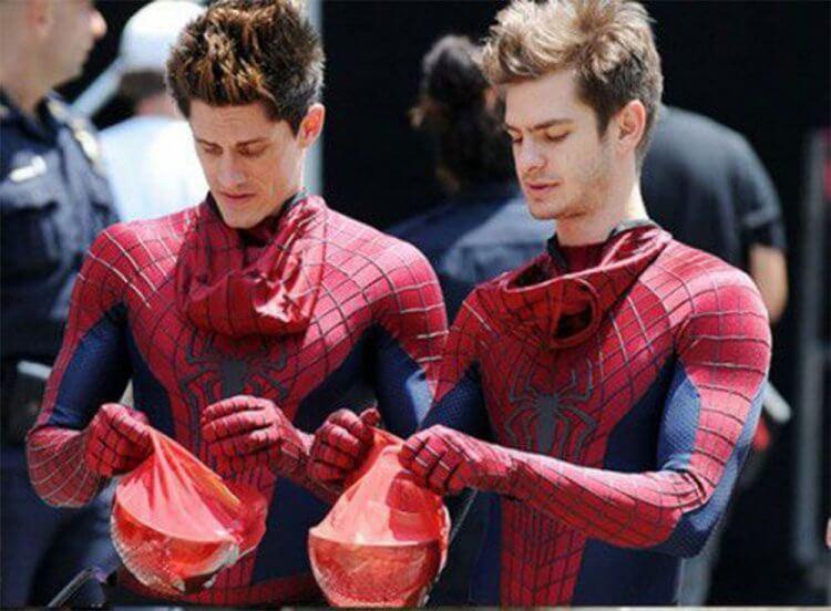 安德魯與他的《蜘蛛人:驚奇再起》替身威廉。