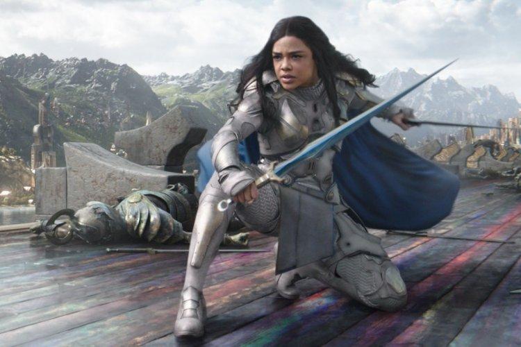 泰莎湯普森 (Tessa Thompson) 飾演的「女武神」瓦爾基麗 (Valkyrie) 。
