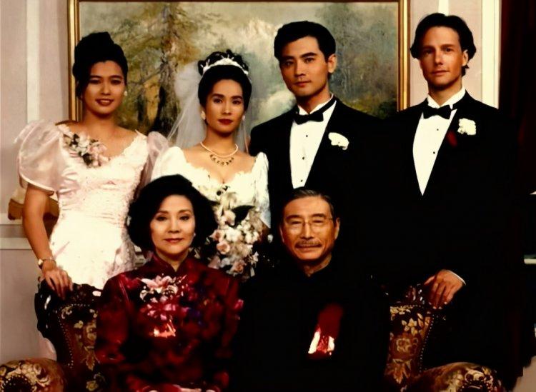李安導演的《囍宴》。