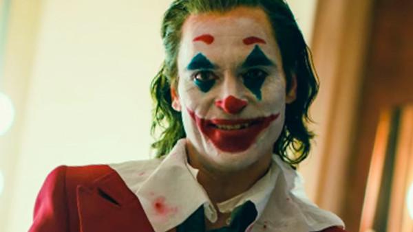 陶德菲利普斯執導、瓦昆菲尼克斯主演的《小丑》不僅勇奪威尼斯金獅獎,票房也獲得大成功,目前已經超越《死侍 2》,成為新的 R 級電影票房之王。