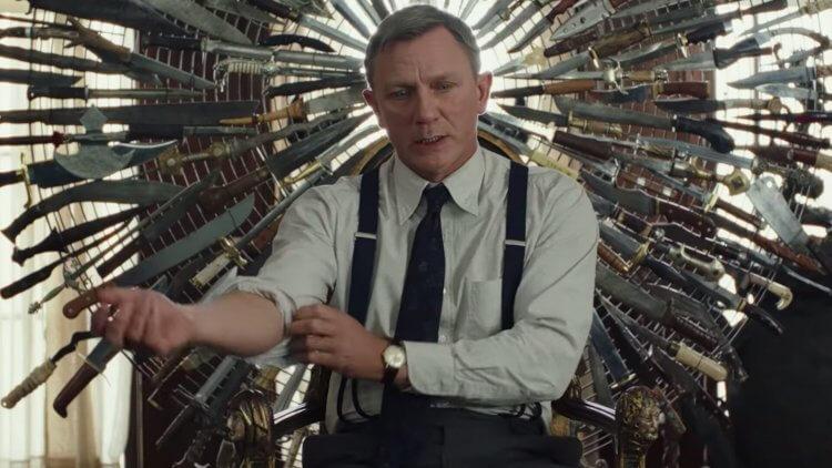 《鋒迴路轉》(Knives Out) 中,丹尼爾克雷格飾演一名偵探。