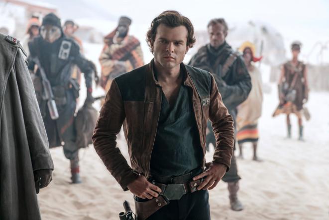 艾登艾倫瑞克 (Alden Ehrenreich) 在 星戰 外傳 電影 《 韓索羅 》 中擔綱演出。