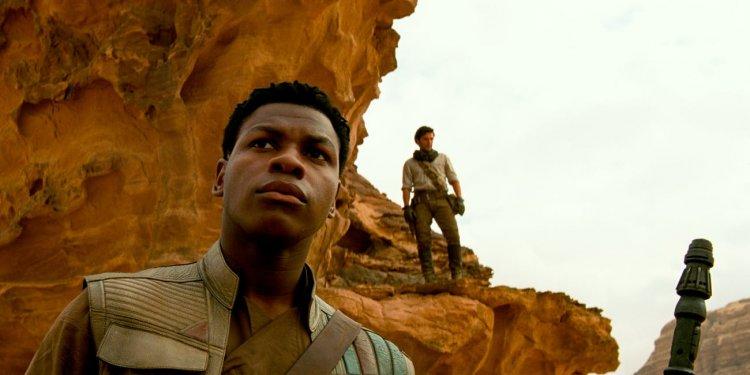 星戰角色芬恩 (Finn) 與 波戴姆倫 (Poe Dameron)。