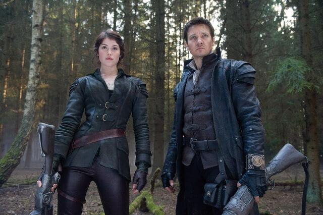《糖果屋》故事已翻拍過無數版本電影,其中較特別的《女巫獵人》由「鷹眼」傑瑞米雷納與「龐德女郎」潔瑪雅特頓飾演兄妹。