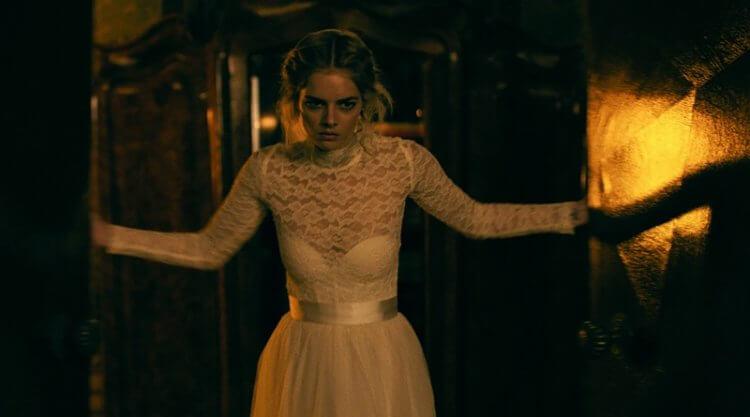 薩瑪拉威明 (Samara Weaving) 主演的驚悚電影《弒婚遊戲》將於雙十國慶連假在台上映。
