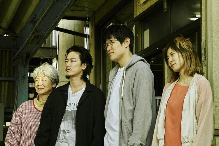 改編自舞台劇,白石和彌執導的電影《那一夜》由田中裕子、佐藤健、鈴木亮平以及松岡茉優主演。