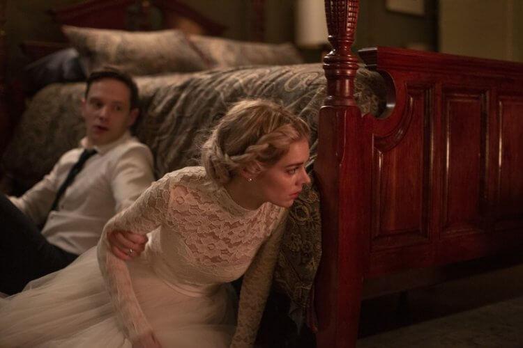 「小瑪格羅比」薩瑪拉威明在《弒婚遊戲》片中的新婚丈夫艾利克斯(馬克歐布萊恩 飾)直到洞房花燭前才告訴嬌妻需要賭命的自家神祕傳統。
