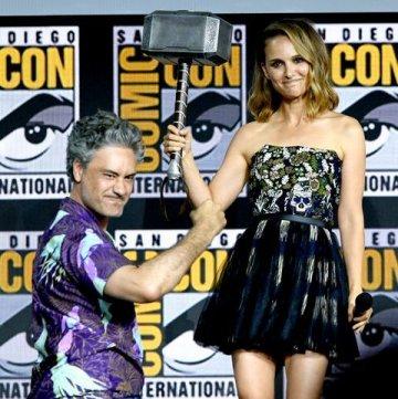 塔伊加維迪提執導、納塔莉波曼主演的漫威超級英雄電影《雷神索爾 4:用愛發電(暫)》還未拍攝便已吸引粉絲矚目。